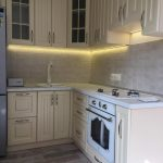 белый кухонный гарнитур небольшой