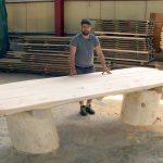 огромный стол в беседку