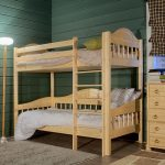 детская двухъярусная кровать светлое дерево