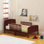 детская кровать с бортиками дизайн идеи