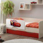 детская кровать с бортиками декор фото