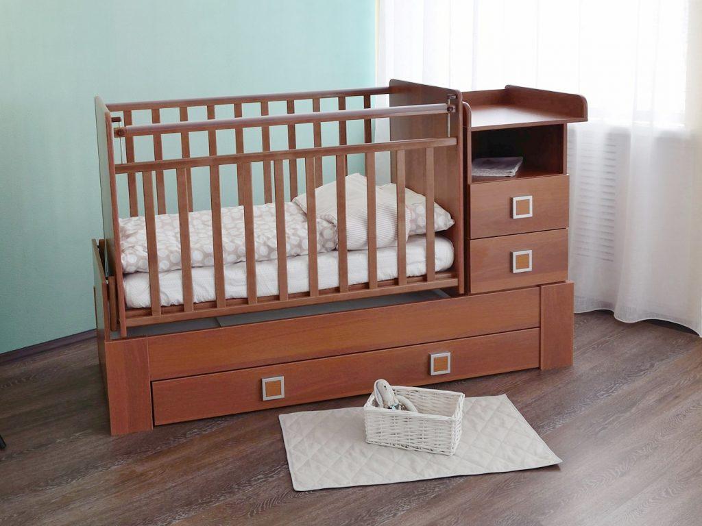 сбор детской кроватки-маятника