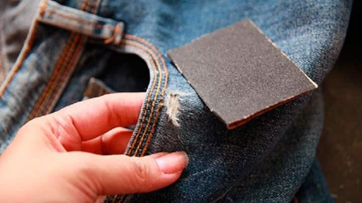 дыры на джинсах наждачкой