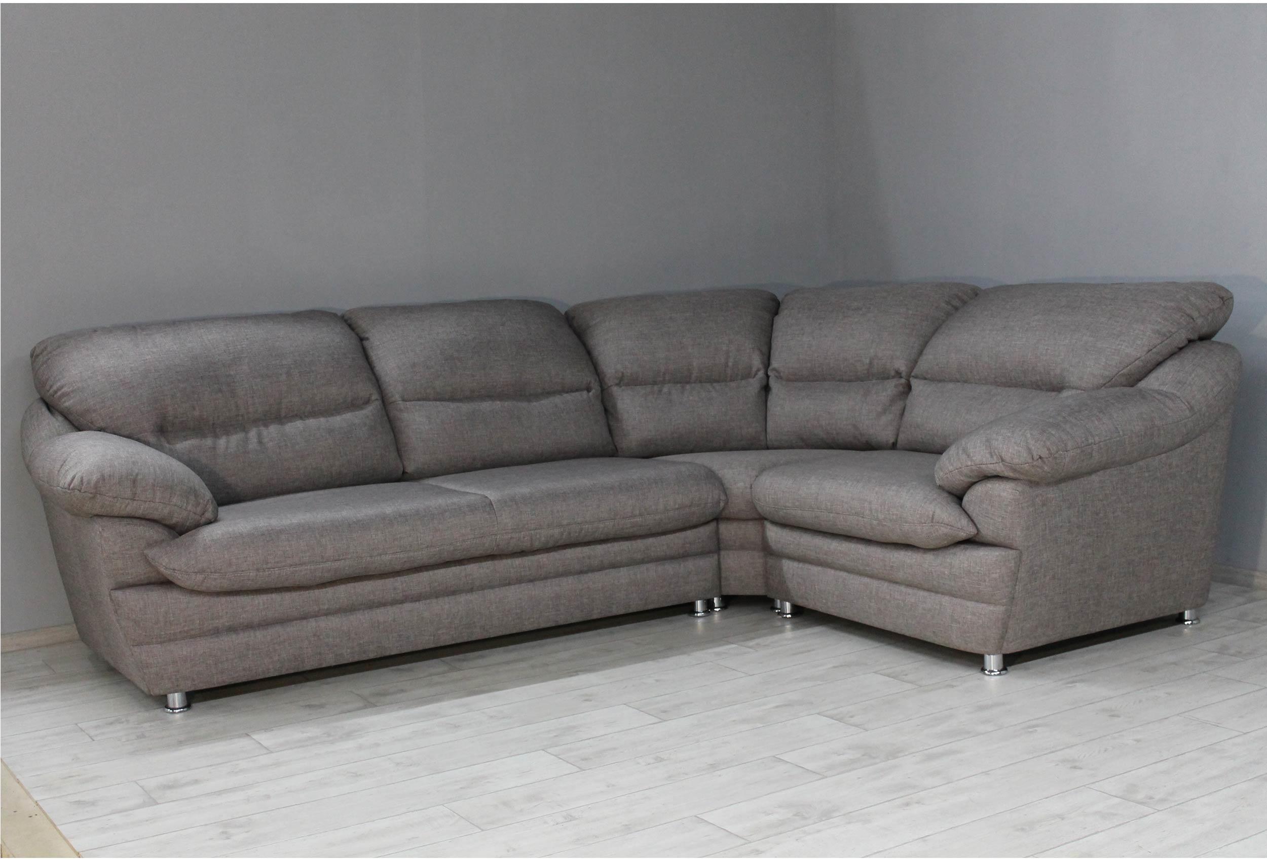 очищение дивана от пыли