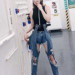 джинсы с большими разрезами