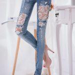джинсы с кружевами