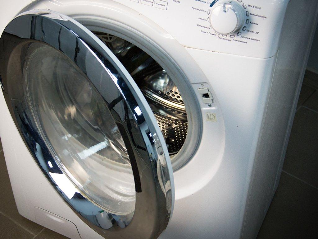 дверца стиральной машины