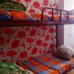 двухъярусная кровать из железа
