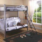 кровать двухъярусная оформить
