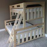 кровать двухъярусная из дуба