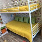 двухъярусная кровать икеа желтая