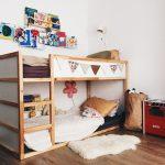 двухъярусная кровать икеа с цветком
