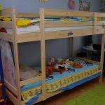 двухъярусная кровать икеа с игрушками