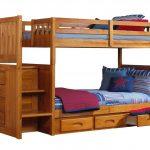 детская двухъярусная кровать коричневое дерево