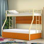детская двухъярусная кровать рыжая