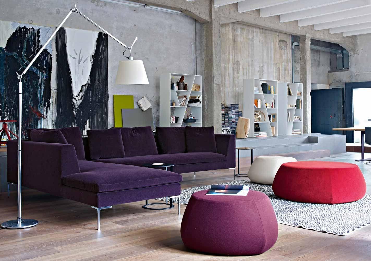 фиолетовой комнате