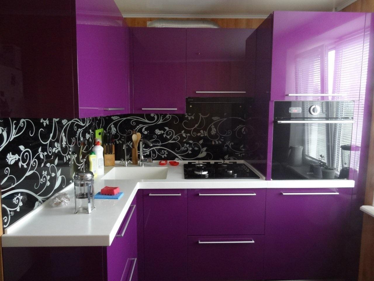 фиолетовый гарнитур с черным