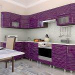 фиолетовый кухонный гарнитур с белыми полосками
