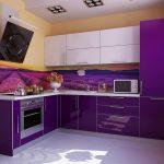 фиолетовый кухонный гарнитур с лавандой