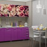 фиолетовый кухонный гарнитур с розами
