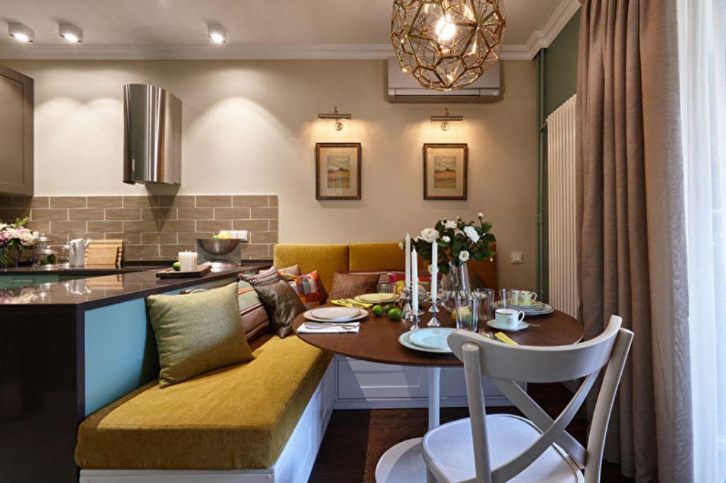 где разместить диван на кухне