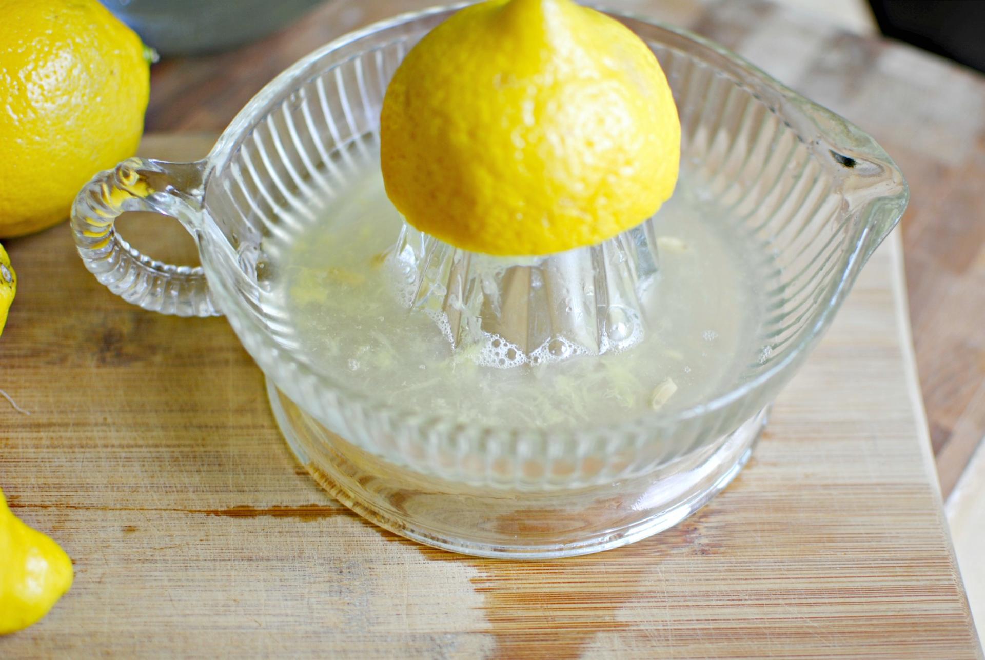 мыть окна лимонным соком