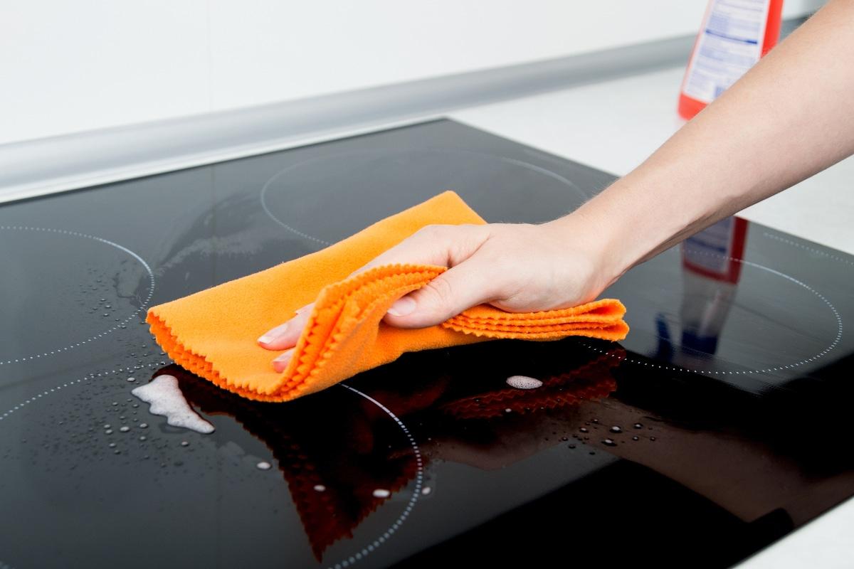 народное средство с клеем для плиты