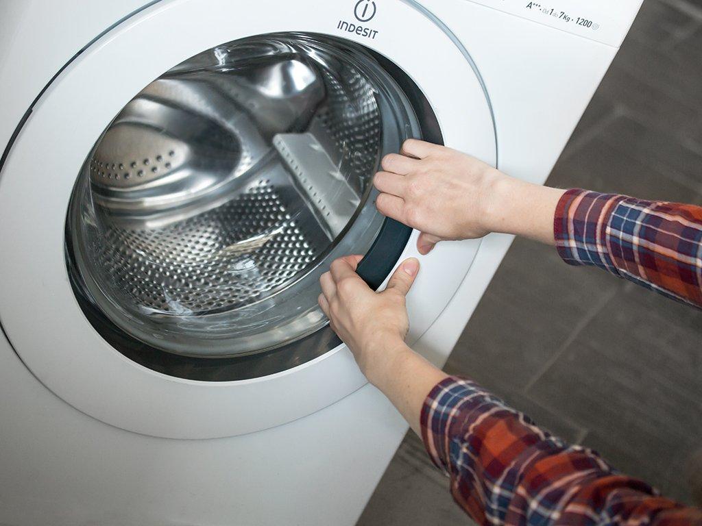 как открыть дверцу стиральной машины