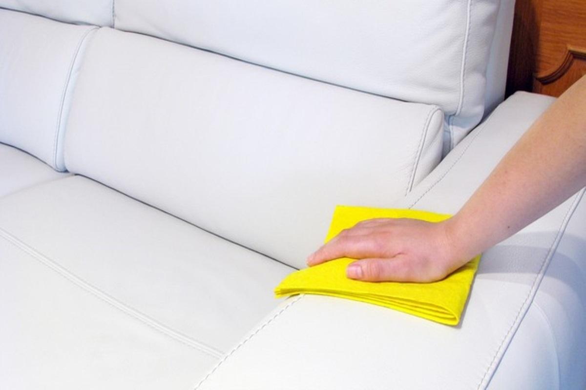 очистки кожаного дивана