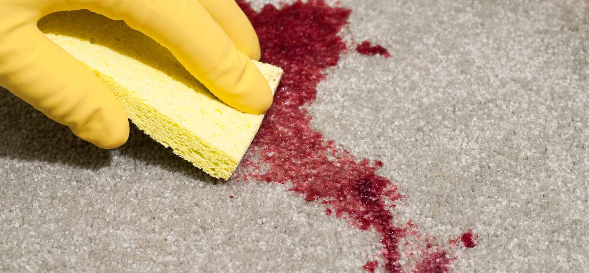 отмывание дивана от крови