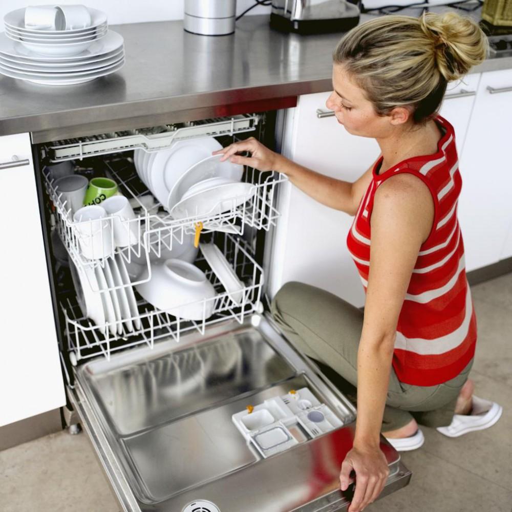 разгрузка посудомоечной машины