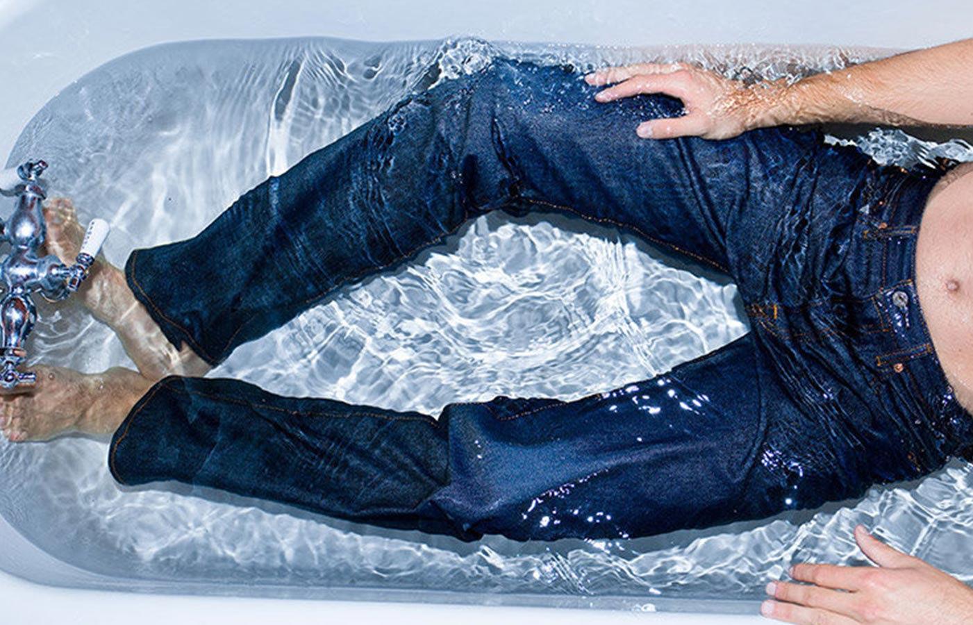 стирка джинсов на себе