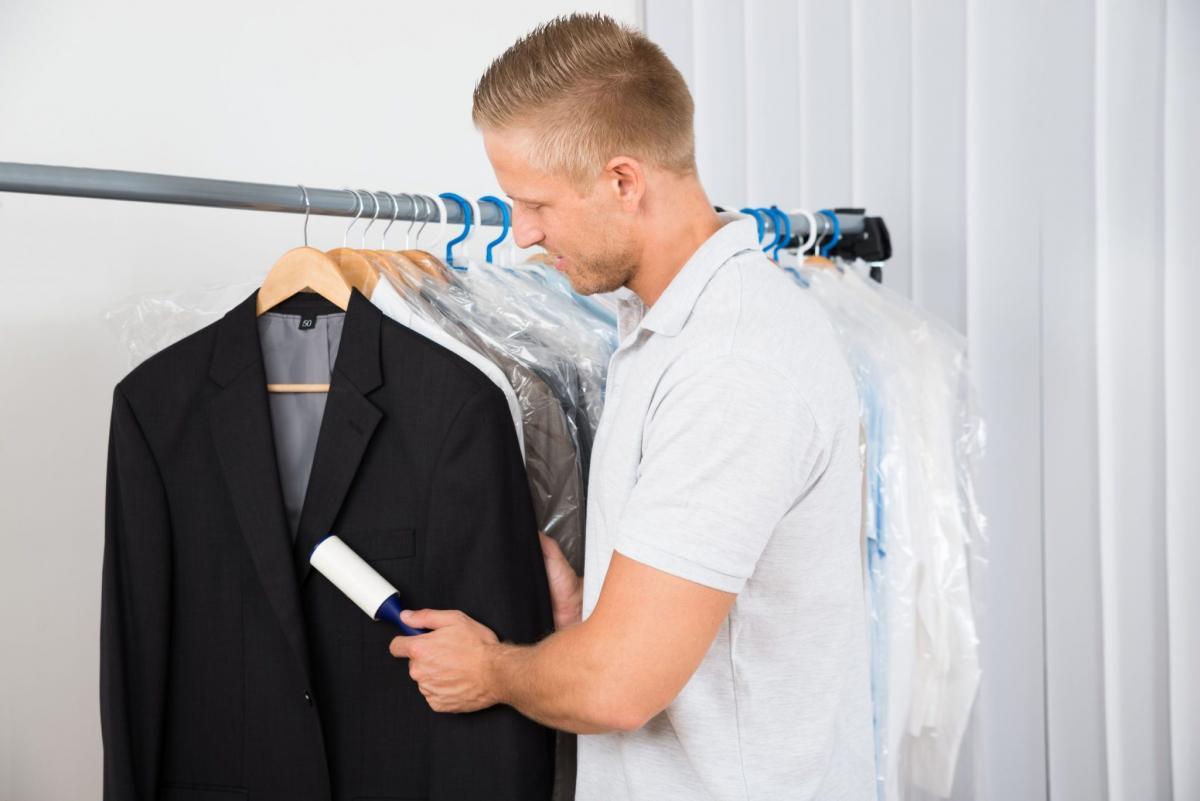 чистка ворота пиджака