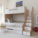 двухъярусная кровать с лестницей-шкафом