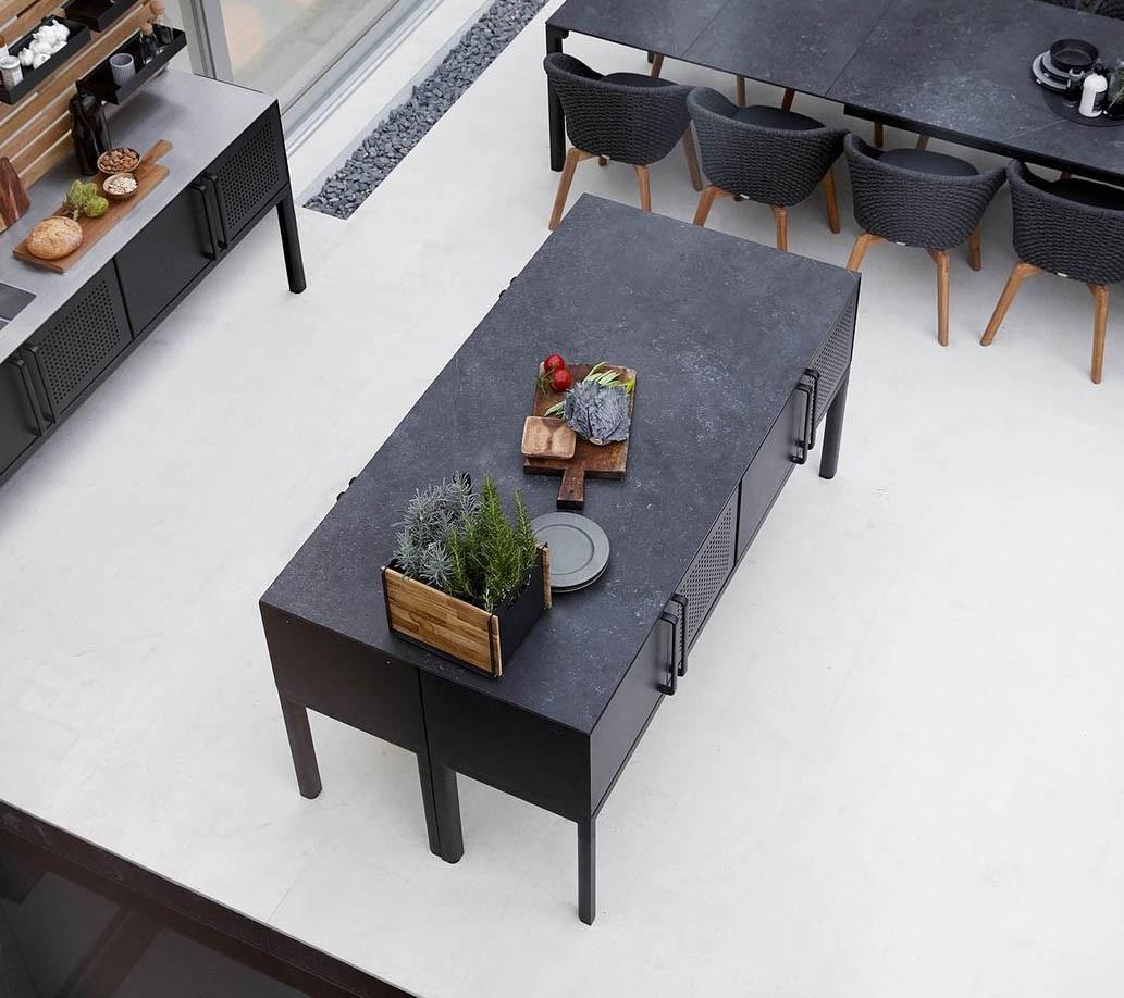 стол в формате острова