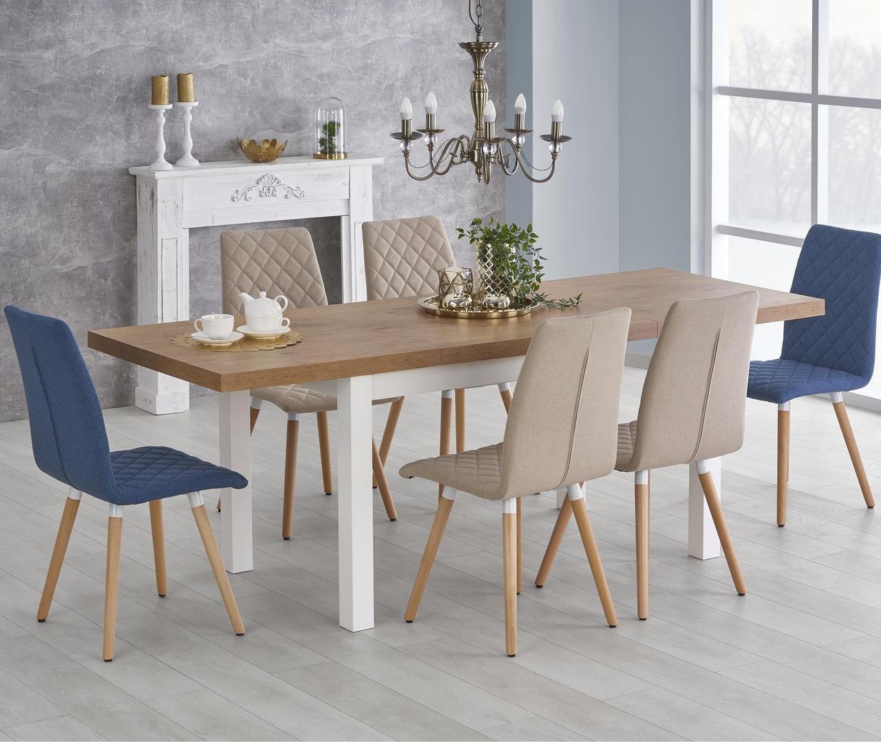 пространство вокруг стола