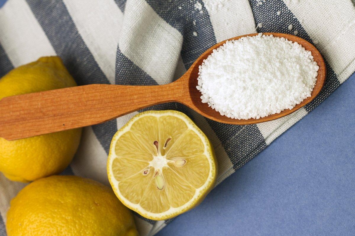 как почистить диван лимонной кислотой