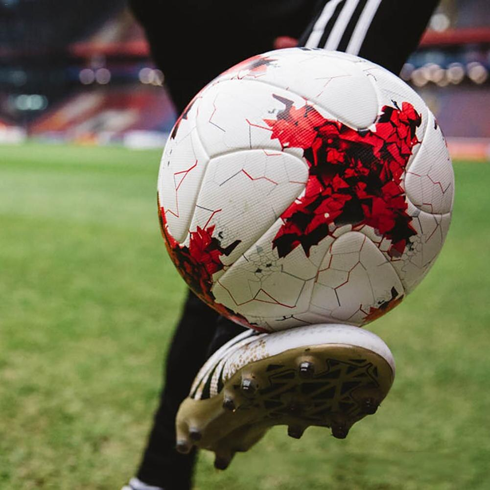 уход за футбольным мячом
