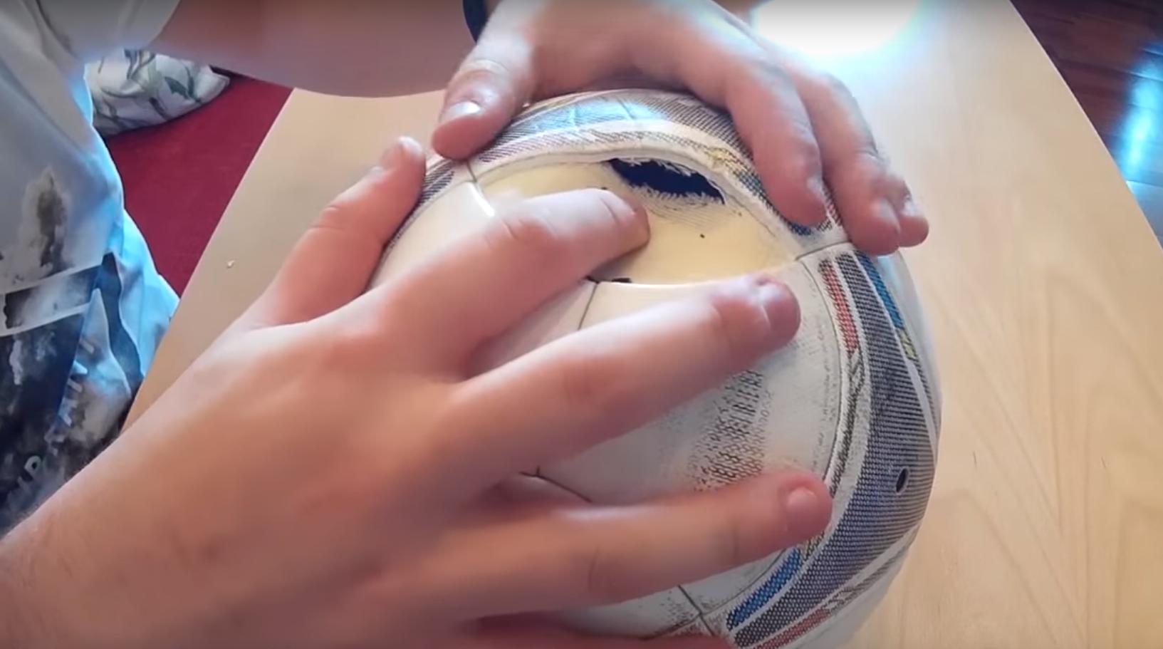 способы заклейки мяча