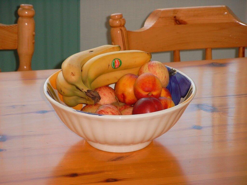 старые овощи и фрукты