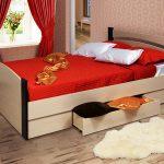 кровать с ящиками декор идеи