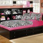 кровать с ящиками идеи декор