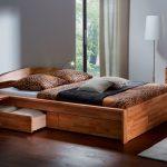 кровать с ящиками фото интерьера