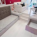 кровать в подиуме фото интерьер