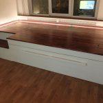 кровать в подиуме фото интерьера