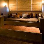 кровать в подиуме идеи интерьера