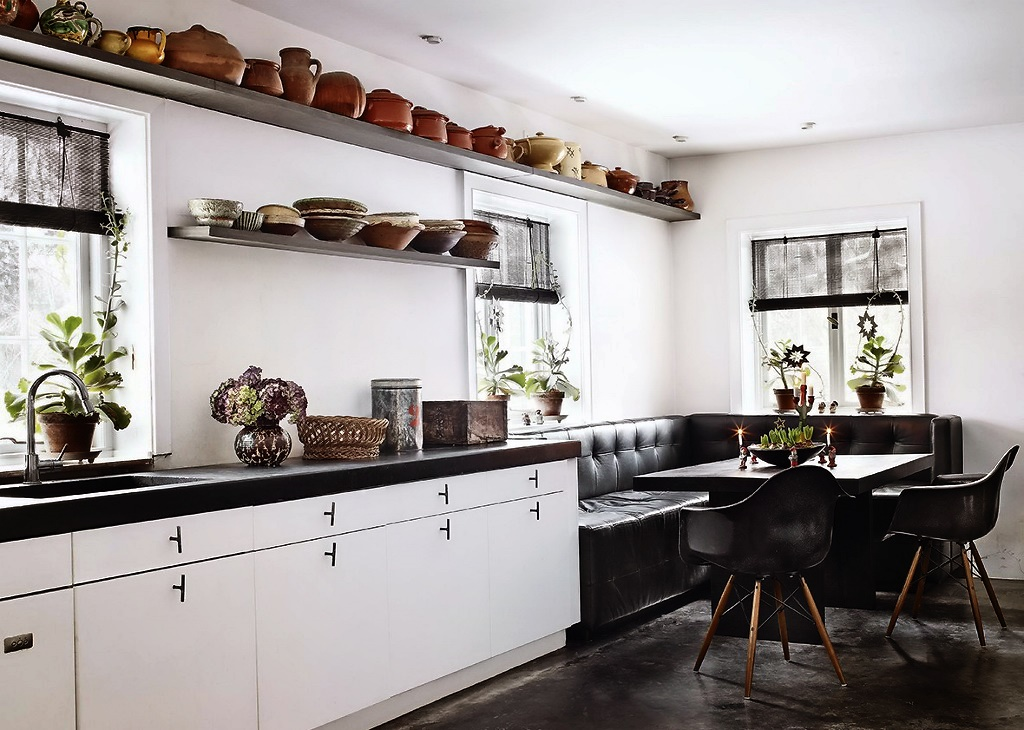 кухня без верхних шкафов черно белая