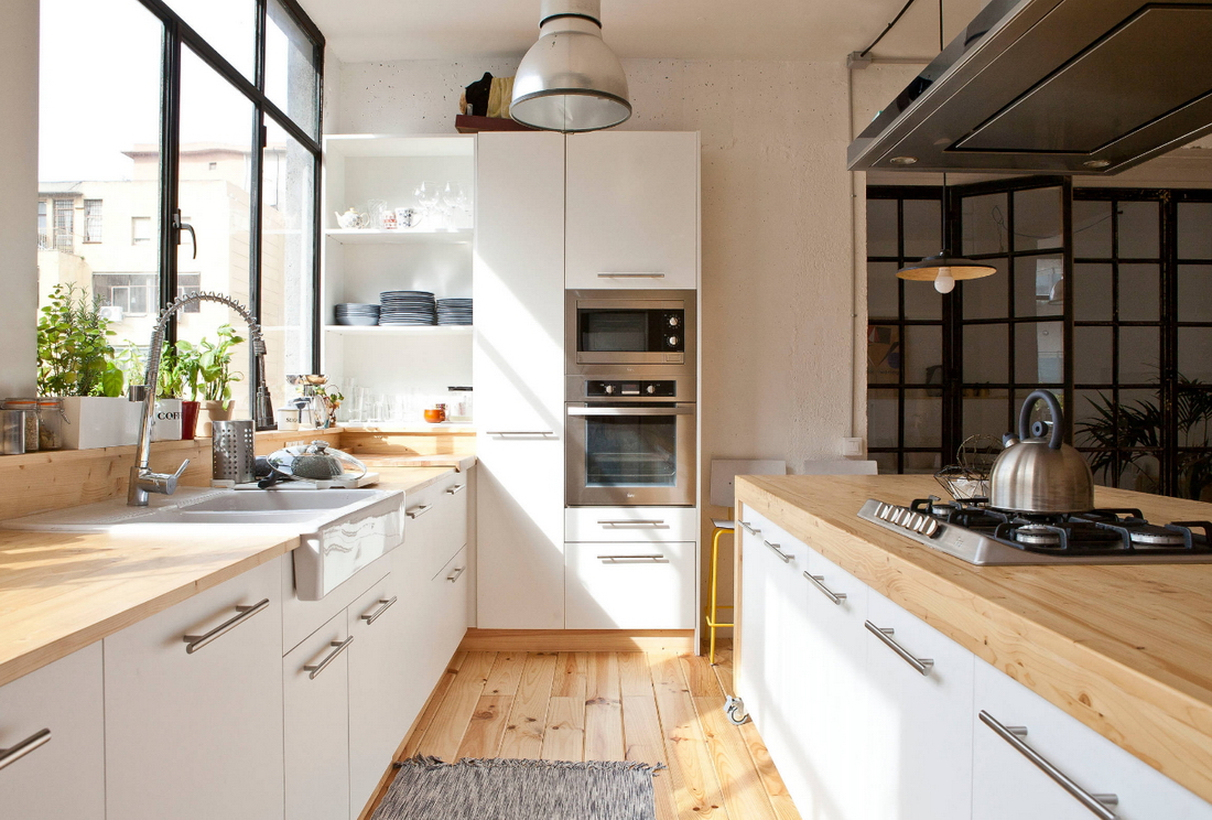 кухня без верхних шкафов двухрядная