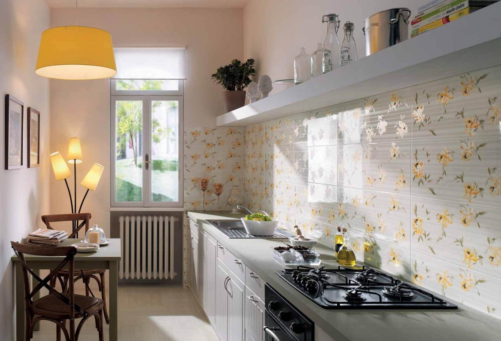 кухня без верхних шкафов линейная
