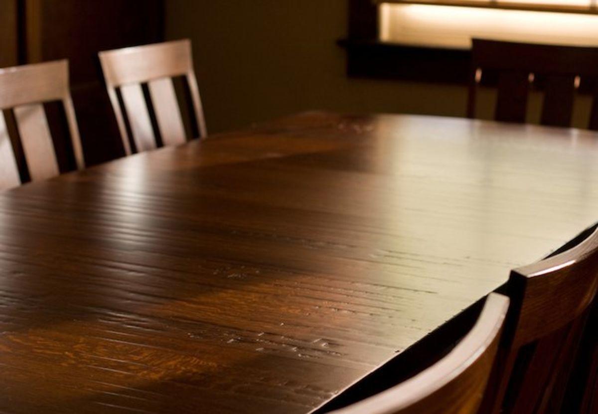 лаковая поверхность мебели